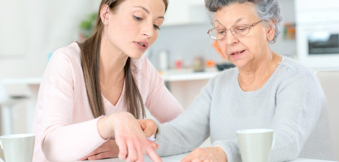 Assisted Living vs Nursing Home: What's the Difference ...