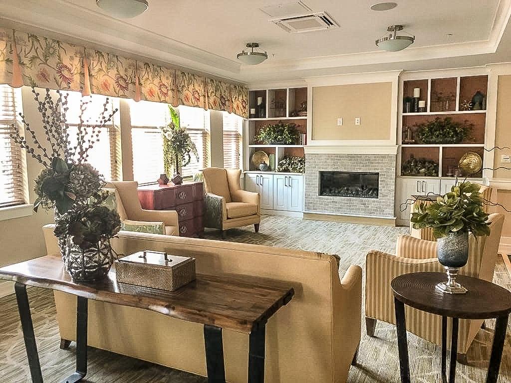 Washington DC Senior Living facility lounge area